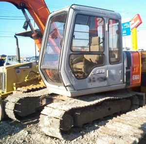 Hitachi Excavator EX60 Alternator